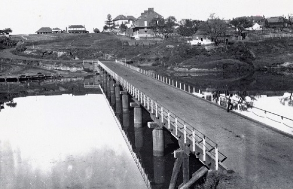 Windsor Bridge and Thompson Square, 1879, courtesy State Library of NSW